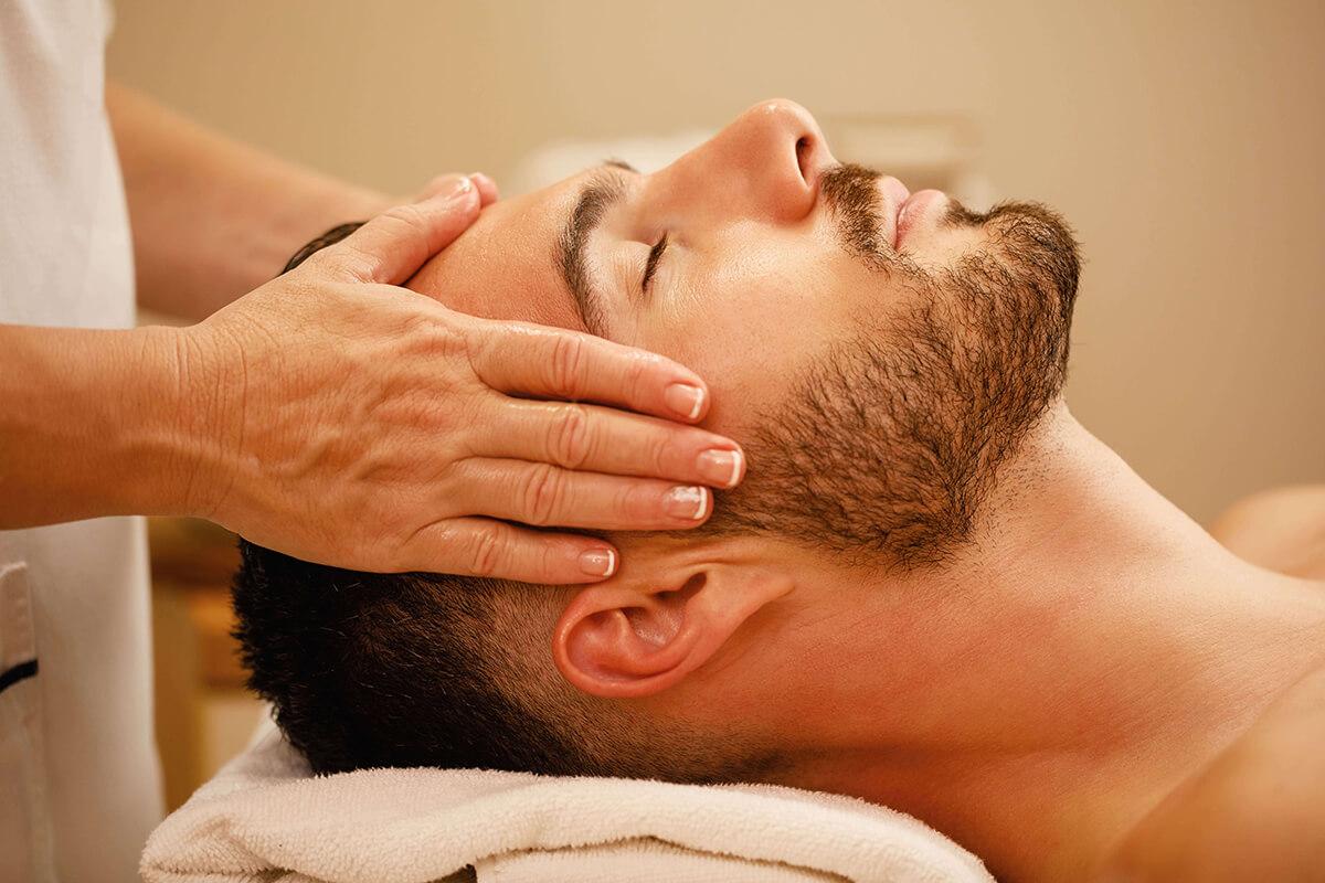 Masáž vie pomôcť pri bolestiach hlavy