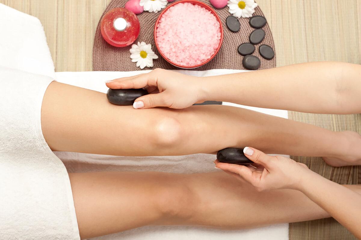 Pri masáži sa využívajú kamene rôznych veľkostí a tvarov